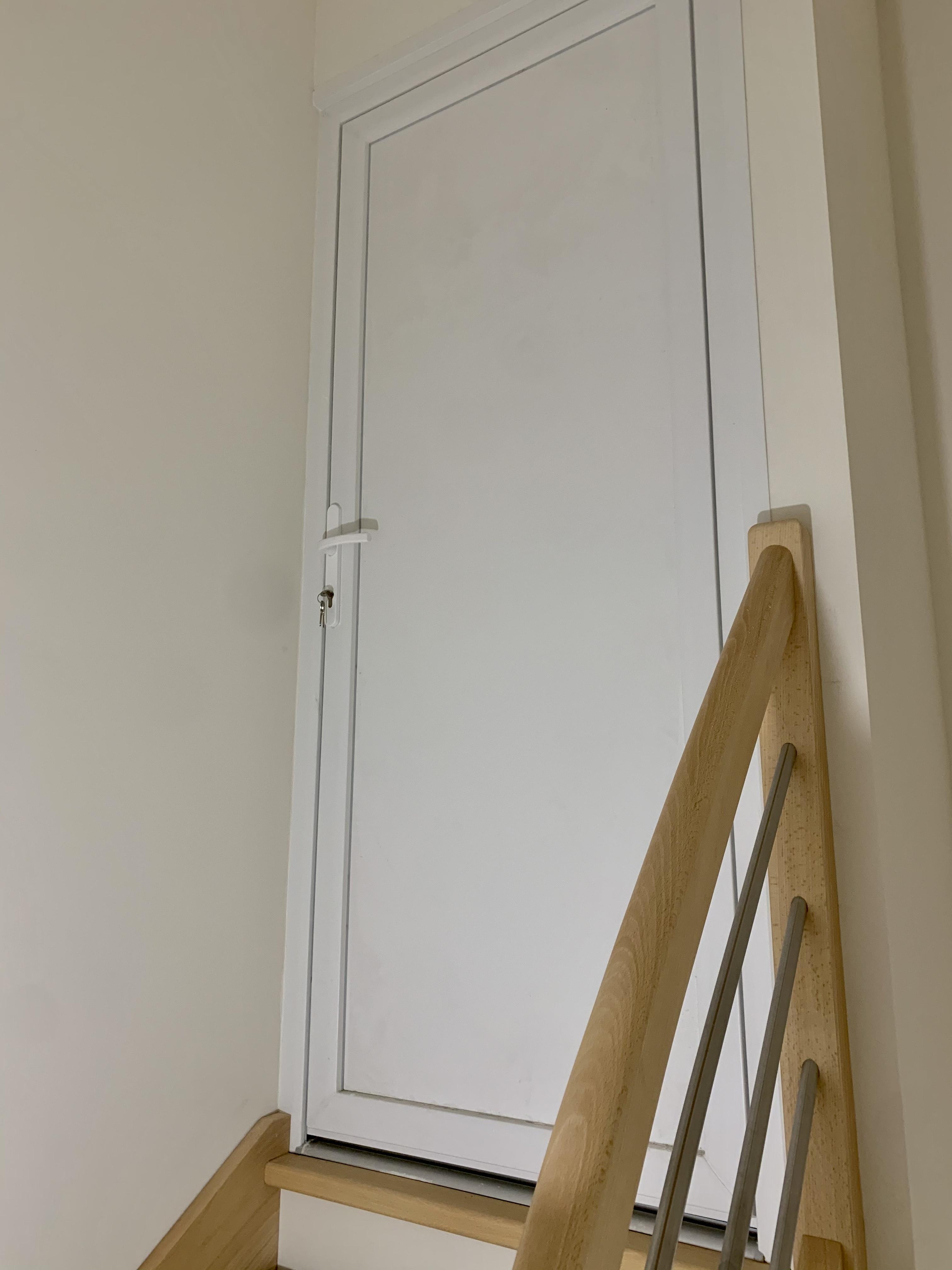 Porte PVC à Chissey sur Loue. (39)