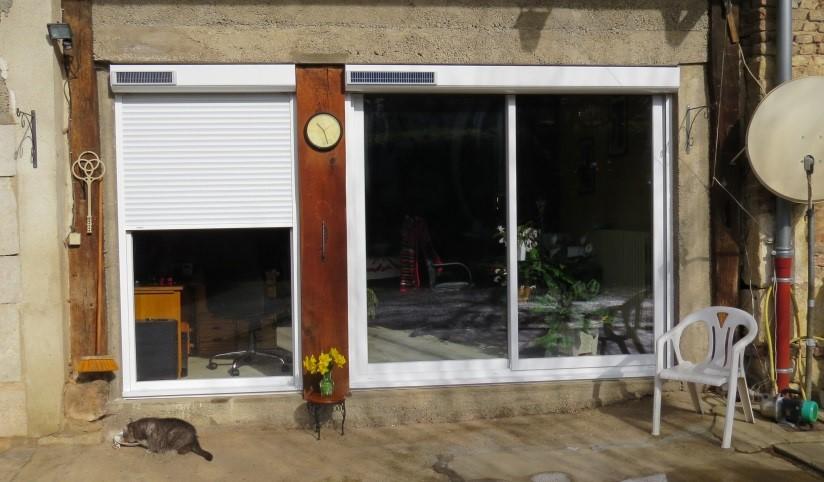 Porte et coulissant en PVC Blanc avec volets solaires